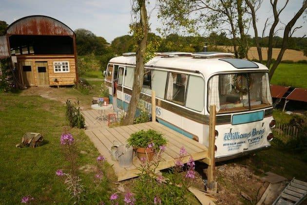 shabby-chic-garden-bus-house___