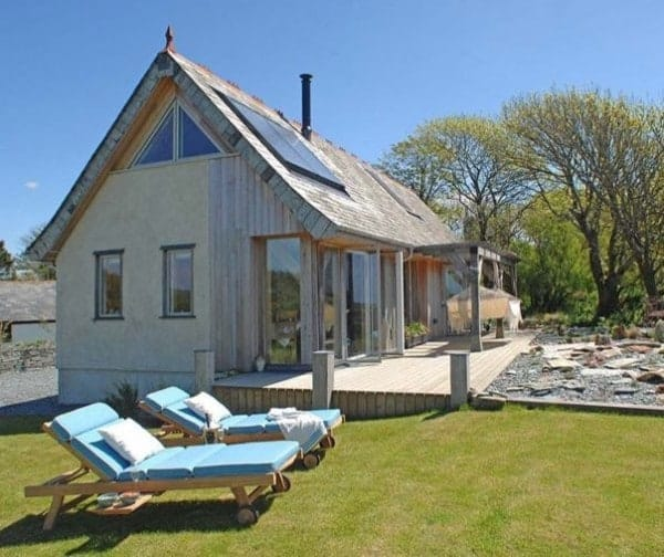 646-sq-ft-carpenter-oak-cottage-001-600x504