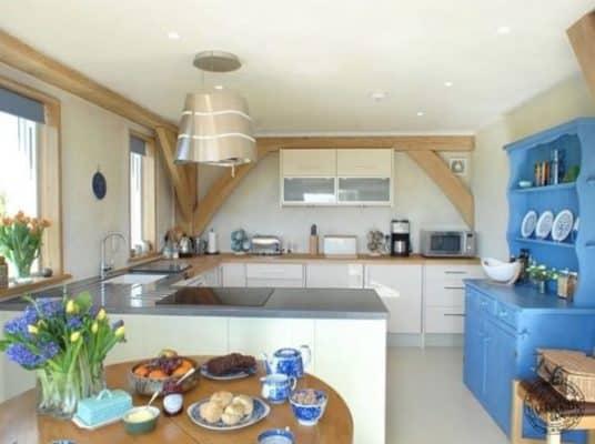 646-sq-ft-carpenter-oak-cottage-002-600x448