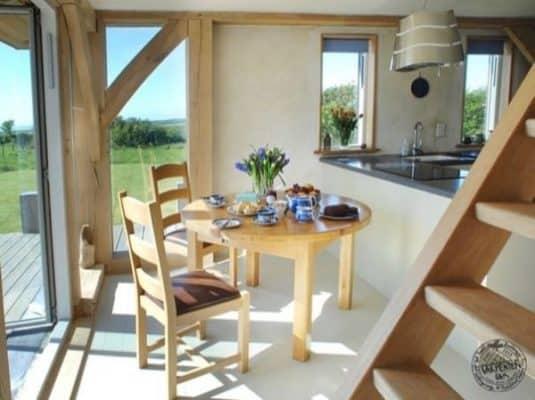 646-sq-ft-carpenter-oak-cottage-003-600x449