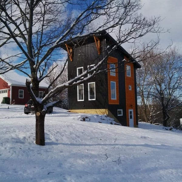 870-sq-ft-18x20-tall-tiny-house-001-600x600