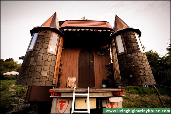 Castle-Truck-Turrets