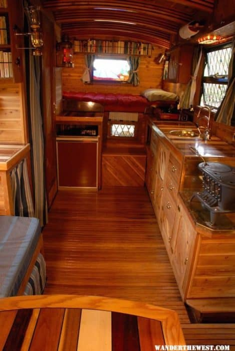Motorhome-living-area
