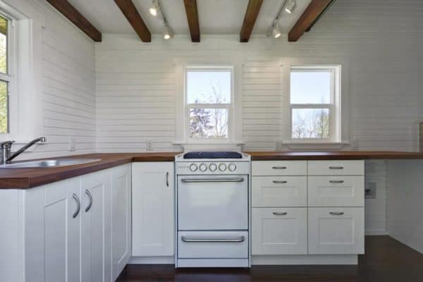 the-loft-tiny-house-living-6