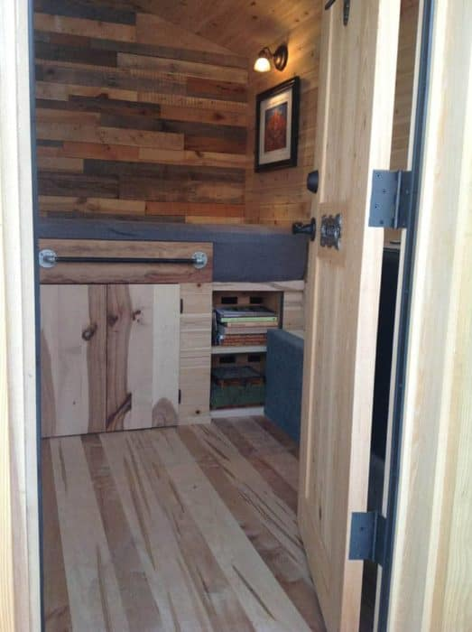 traveling-carpenters-home-away-from-home-2