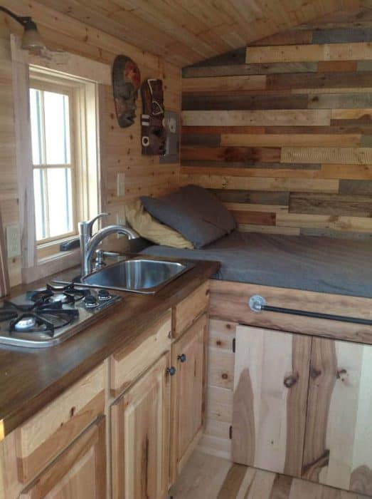 traveling-carpenters-home-away-from-home-3