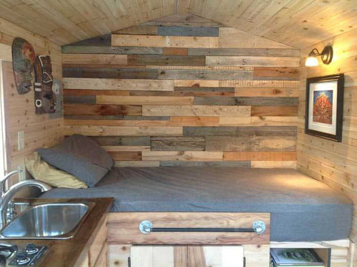 traveling-carpenters-home-away-from-home-5