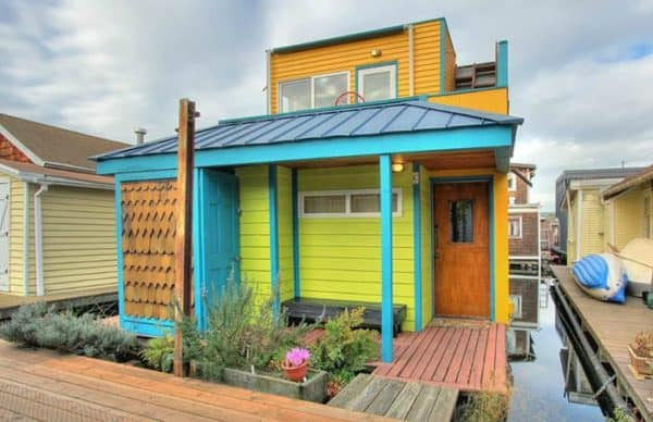 The Amazing Technicolor Houseboat