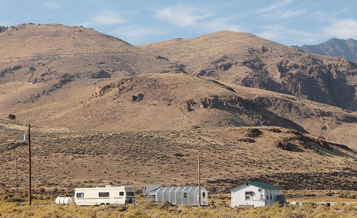 alvord-desert-tiny-house-3