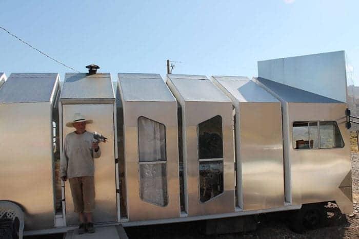 alvord-desert-tiny-house-7