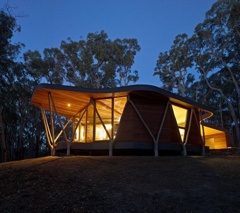 dezeen_Trunk-House-by-Paul-Morgan-Architects_2