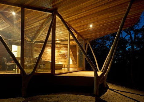 dezeen_Trunk-House-by-Paul-Morgan-Architects_3