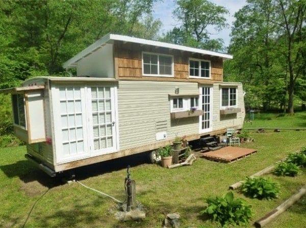 kirkwood-tiny-house-for-sale-001-600x448