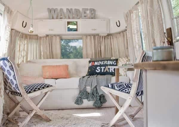 renovated-airstream-with-anthropologie-and-sarah-schneider-005-600x428