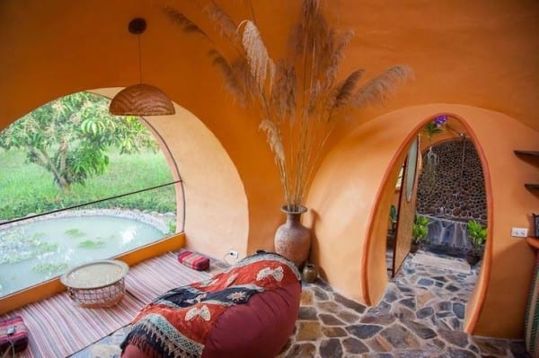 steve-areen-tiny-dome-home-in-thailand-0011-600x399