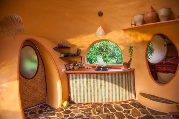 steve-areen-tiny-dome-home-in-thailand-003-600x399