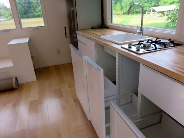 Abundance-Tiny-Home-by-Brevard-Tiny-House-Company-0028-600x450