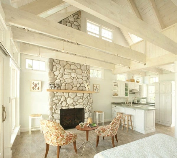 Charming-Tiny-Bungalow-Creative-Cottages-006-600x535