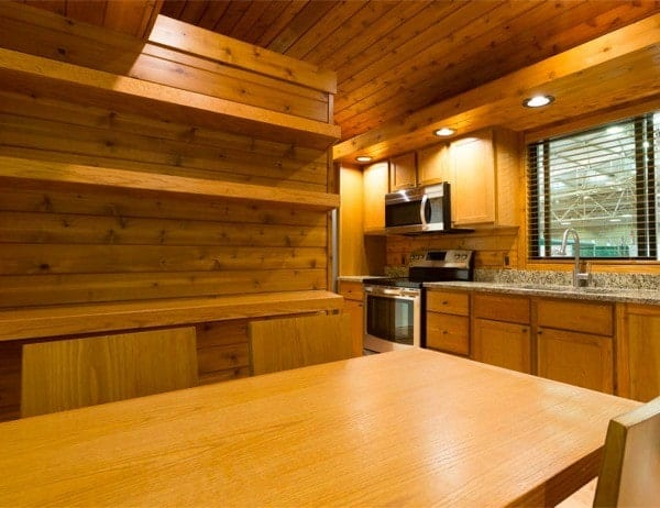 ESCAPE-Premiere-Cabin-Tiny-Homes-005-600x462