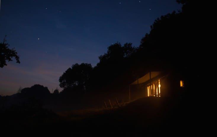 Out-of-the-Valley-rental-cabin-Devon-England-Gardenista-11