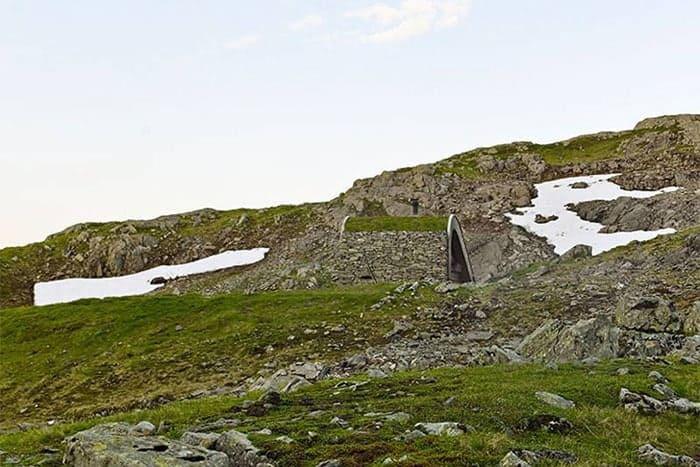 Snohetta-isolated-cabin-Norway-Bjellandsbu-Akrafjorden-3