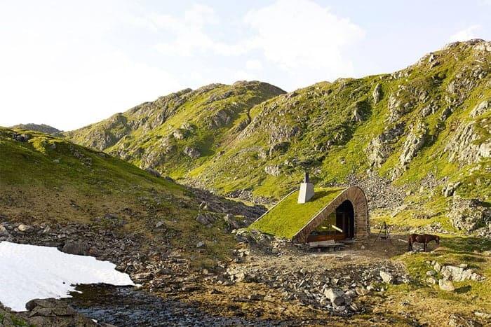 Snohetta-isolated-cabin-Norway-Bjellandsbu-Akrafjorden-4