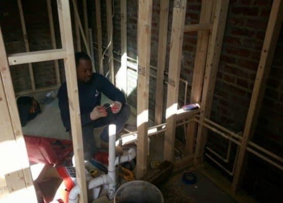 Storage-Garage-Converted-Into-Modern-Loft-Studio-Home-005-600x432