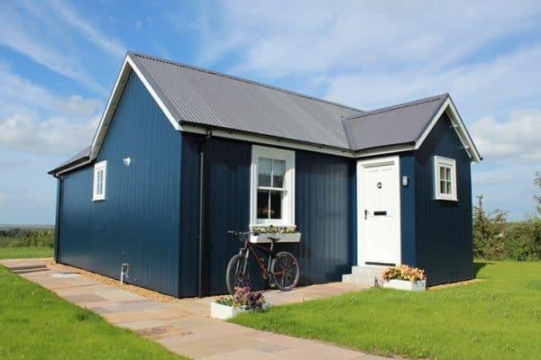 blue-compact-cottage-2
