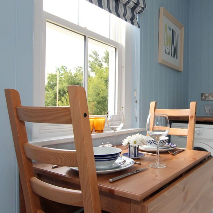 blue-compact-cottage-7