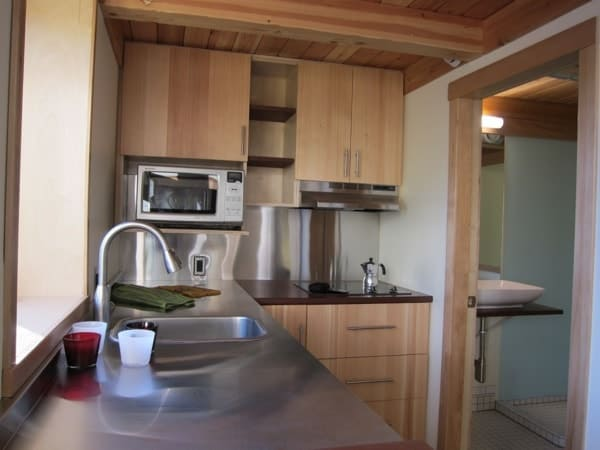 mini-b-prefab-passive-modern-tiny-house-007