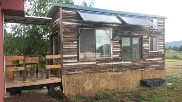 Couple With Zero Experience Built A Healthy, Sustainable Masterpiece For $10k