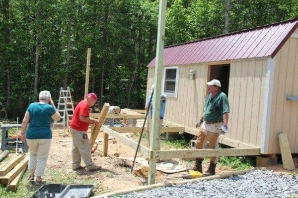 Homeless-83-year-old-Widow-Gets-Barn-Tiny-Home-05-600x400
