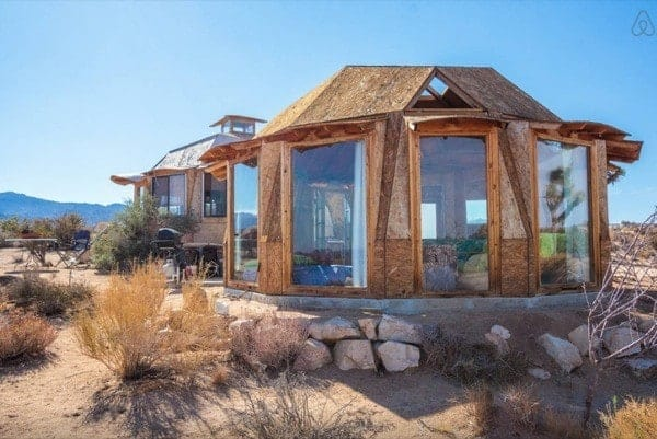 Off-Grid-Desert-Dome-Retreat-006-600x401