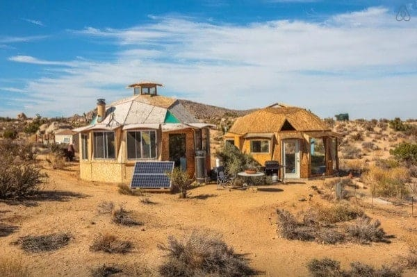 Off-Grid-Desert-Dome-Retreat-011-600x399