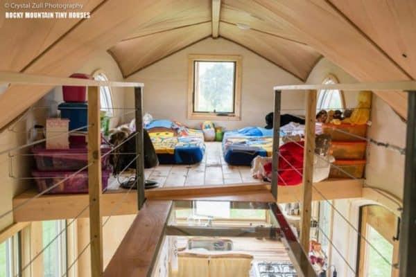 Pequod-Kids-Loft-by-Rocky-Mountain-Tiny-Houses-800x5341