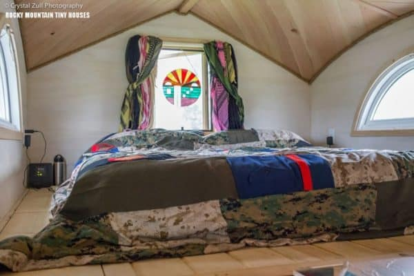 Pequod-Loft-Bed-by-Rocky-Mountain-Tiny-Houses