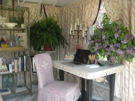 Shabby-Chic-She-Shed-005-600x450