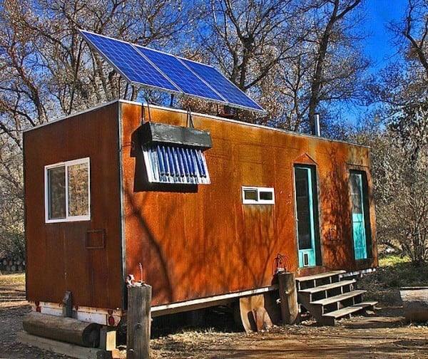 Fully Offgrid Home Built From Recycled Materials For Next To Nothing