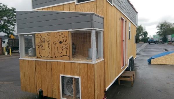 Tiny-Giant-House-002-600x340