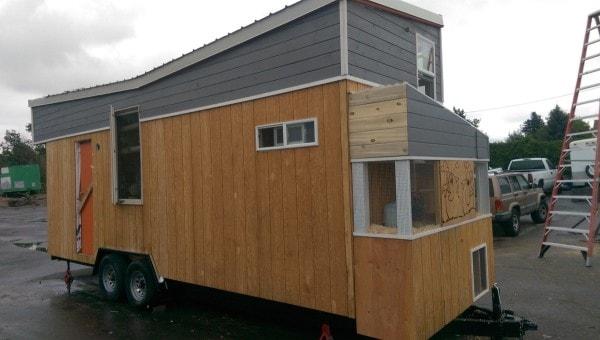 Tiny-Giant-House-004-600x340