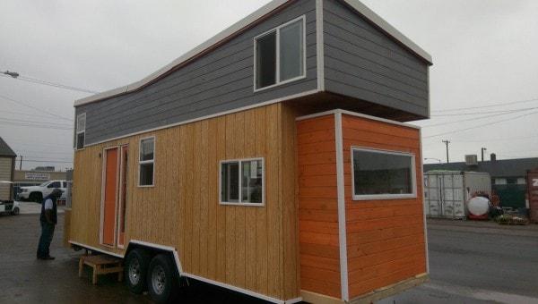 Tiny-Giant-House-006-600x340