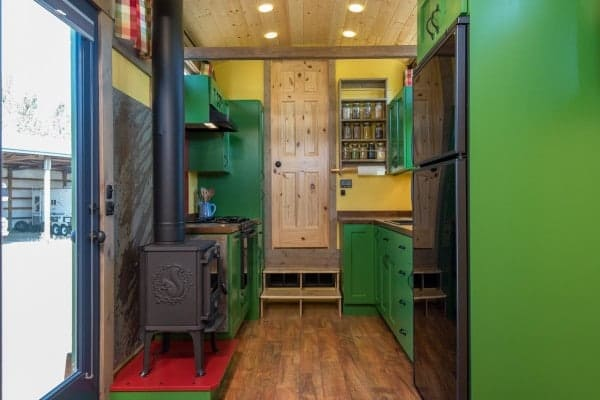 Tiny-House-Woodland-Web-19-600x400