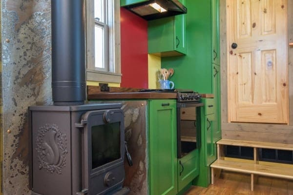 Tiny-House-Woodland-Web-21-600x400