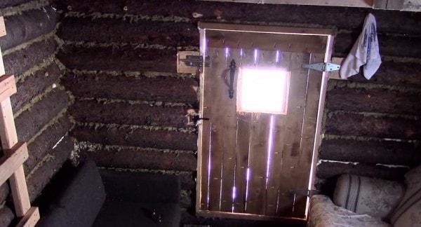 man-builds-tiny-log-cabin-for-500-bucks-05-600x324