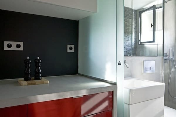 130-Sq-Ft-Paris-Micro-Apartment-08