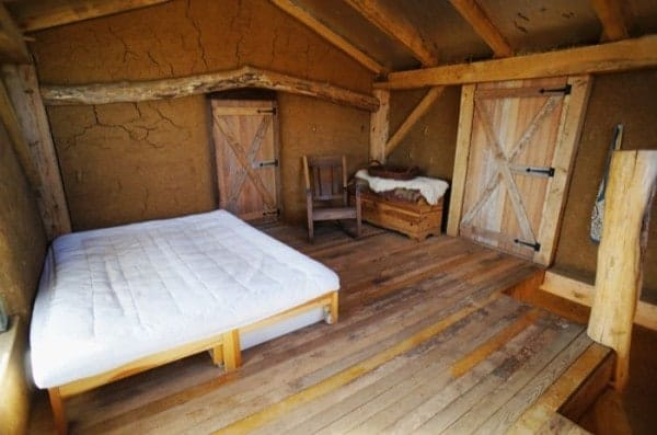 500-sq-ft-timber-frame-straw-bale-tiny-house-006-600x397