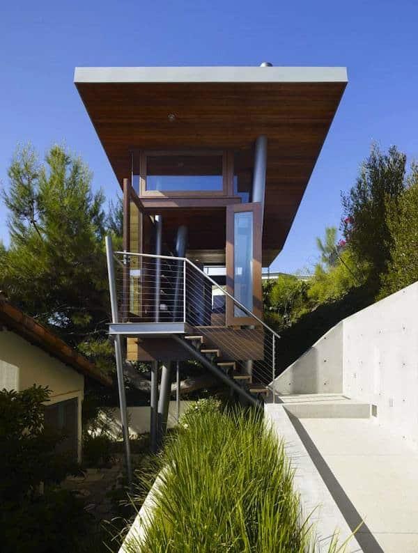 Banyan-Treehouse-Modern-Micro-Cabin-Rockefeller-Architects-001