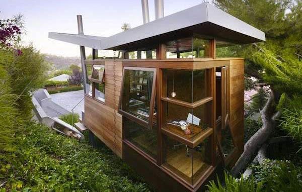 "Stunning Modern ""Treehouse"" Cabin on Stilts Hidden In Downtown LA"