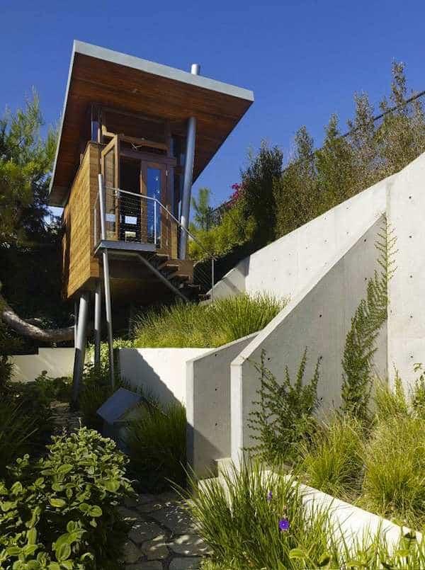 Banyan-Treehouse-Modern-Micro-Cabin-Rockefeller-Architects-003