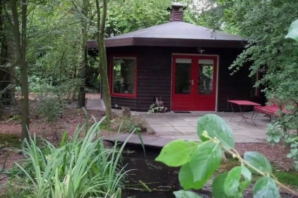 Octagon-Cottage-Netherlands-0015-600x400